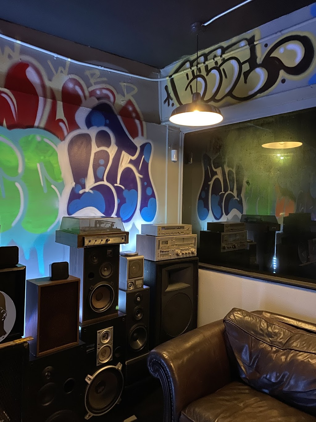 The Commission Beer Chamber - bar    Photo 3 of 10   Address: 2230 Curry Ford Rd, Orlando, FL 32806, USA   Phone: (407) 271-4028