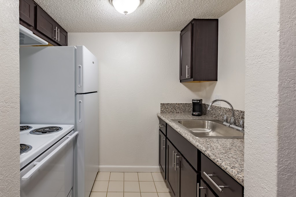 Key Suites Hotel and Extended Stay - lodging    Photo 5 of 10   Address: 4855 Orange Blossom Trail, Orlando, FL 32839, USA   Phone: (407) 851-3000
