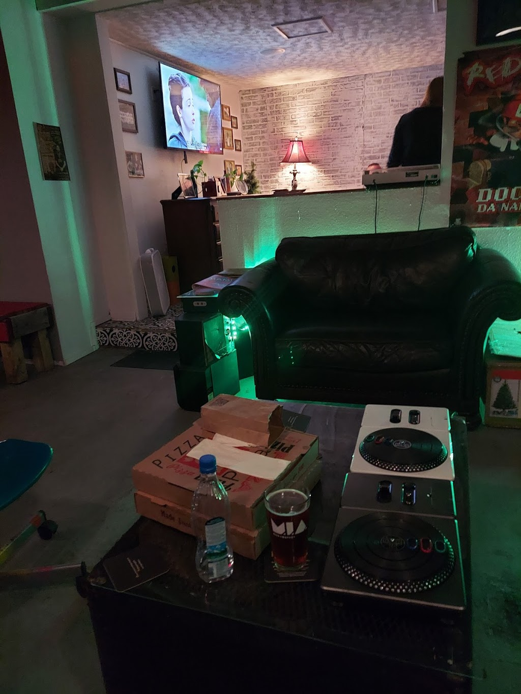 The Commission Beer Chamber - bar    Photo 1 of 10   Address: 2230 Curry Ford Rd, Orlando, FL 32806, USA   Phone: (407) 271-4028