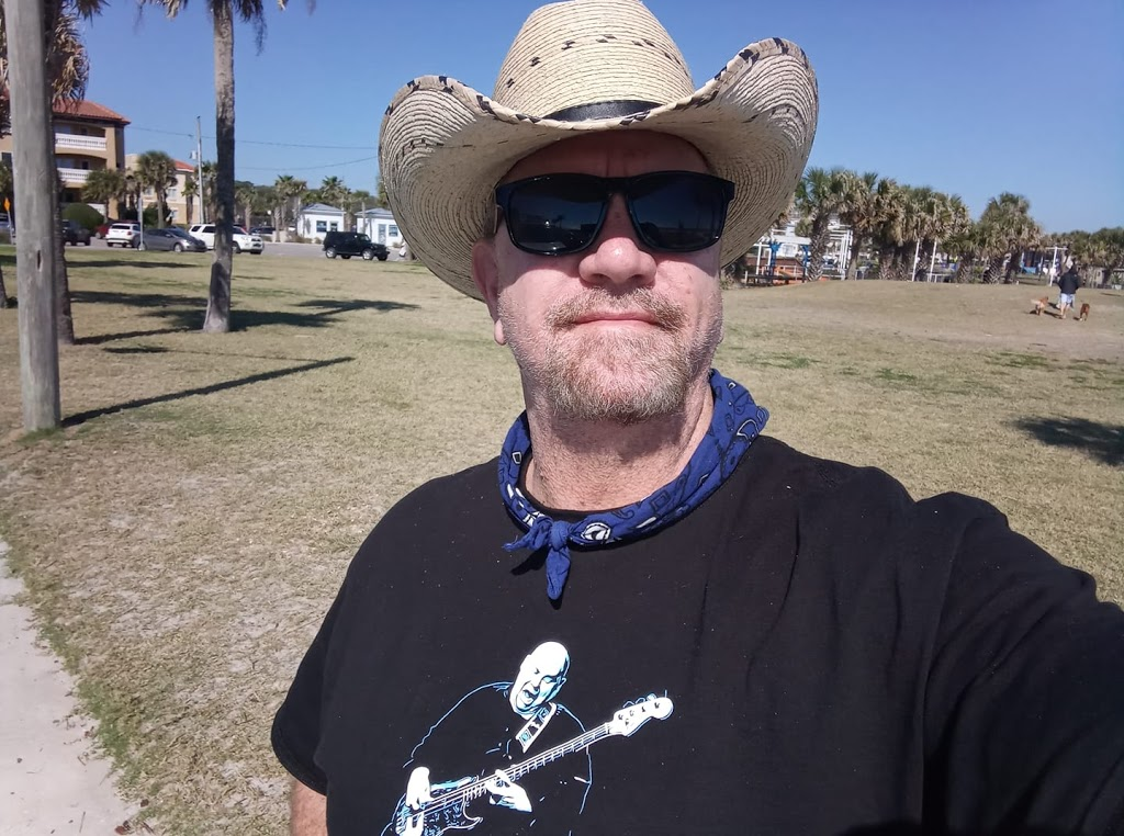 Gone Country Hats - point of interest    Photo 10 of 10   Address: 275 N Texas Ave, Orlando, FL 32805, USA   Phone: (407) 616-4981