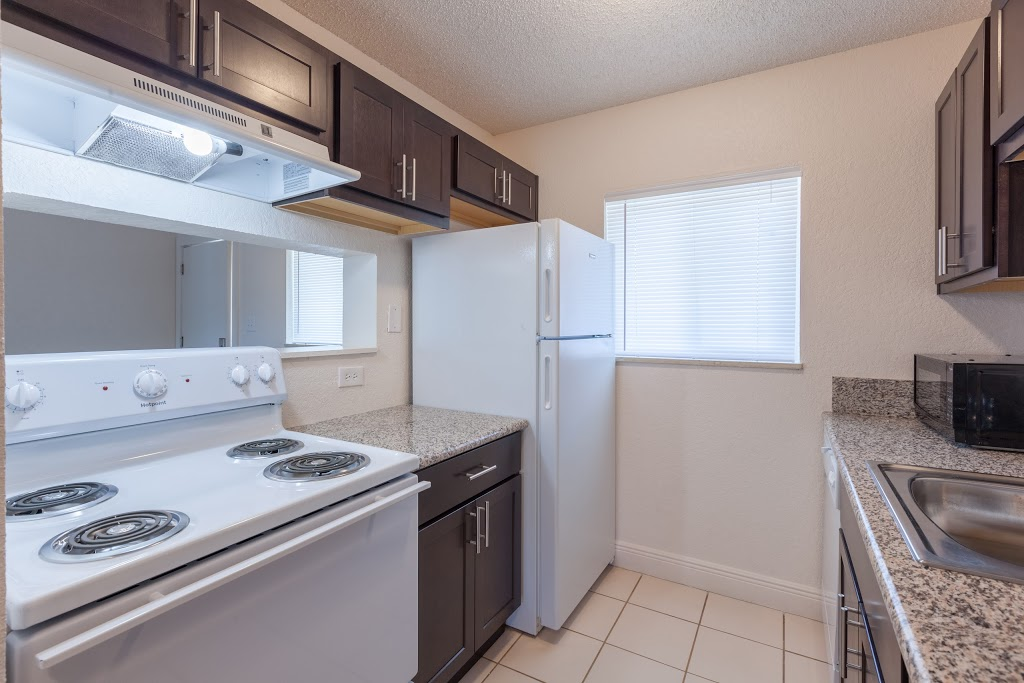 Key Suites Hotel and Extended Stay - lodging    Photo 9 of 10   Address: 4855 Orange Blossom Trail, Orlando, FL 32839, USA   Phone: (407) 851-3000