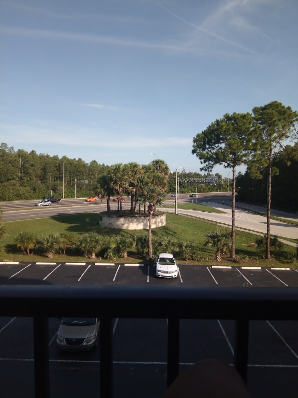 APM Inn & Suites - lodging  | Photo 10 of 10 | Address: 3155 S John Young Pkwy, Orlando, FL 32805, USA | Phone: (407) 704-3573