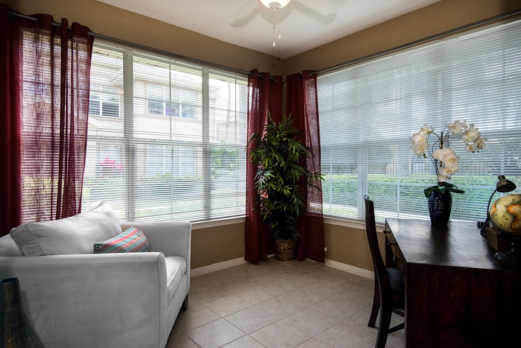 Park Central Apartments - Manor Row - point of interest    Photo 10 of 10   Address: 5009 Park Central Dr, Orlando, FL 32839, USA   Phone: (407) 857-7275