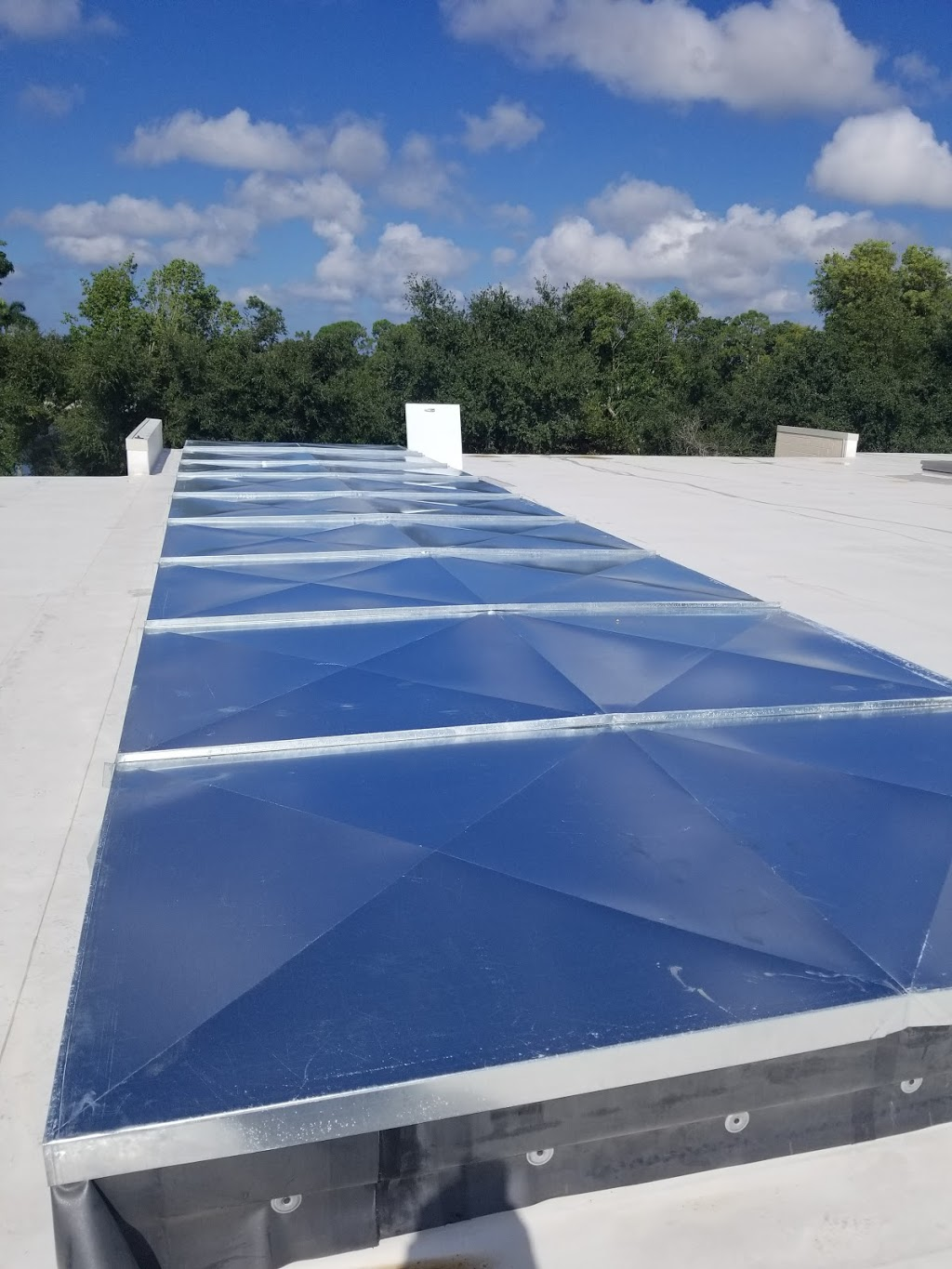 Air Duct Systems, Inc. - general contractor  | Photo 1 of 7 | Address: 2106 W Central Blvd, Orlando, FL 32805, USA | Phone: (407) 839-3313