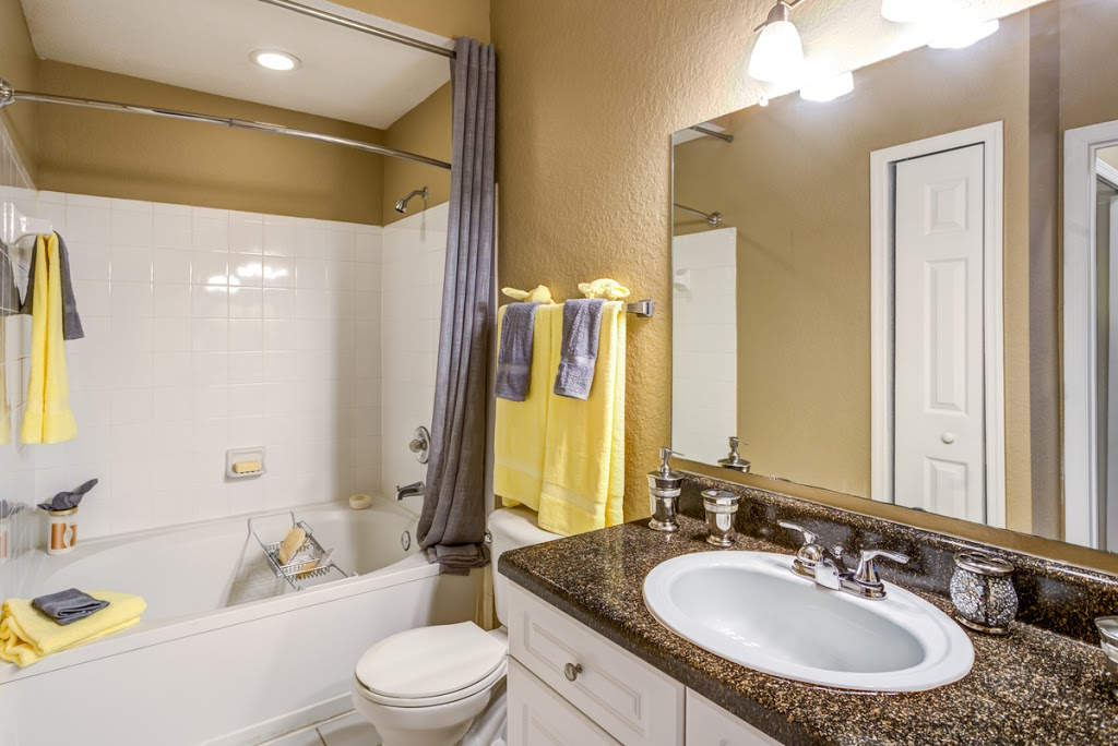 Park Central Apartments - Manor Row - point of interest    Photo 4 of 10   Address: 5009 Park Central Dr, Orlando, FL 32839, USA   Phone: (407) 857-7275