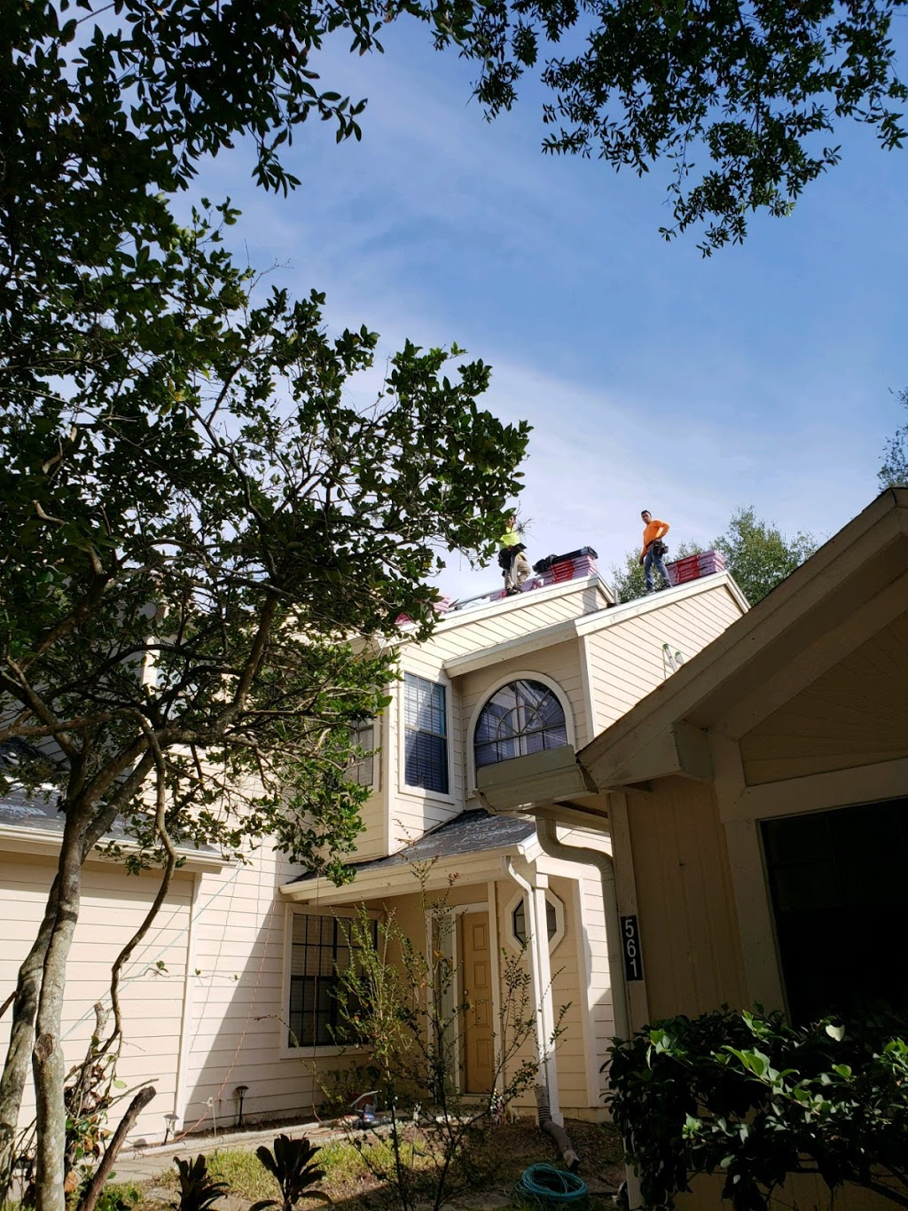 Keeping You Dry Roofing - roofing contractor    Photo 3 of 3   Address: 631 Triumph Ct unit 4, Orlando, FL 32805, USA   Phone: (407) 253-2221