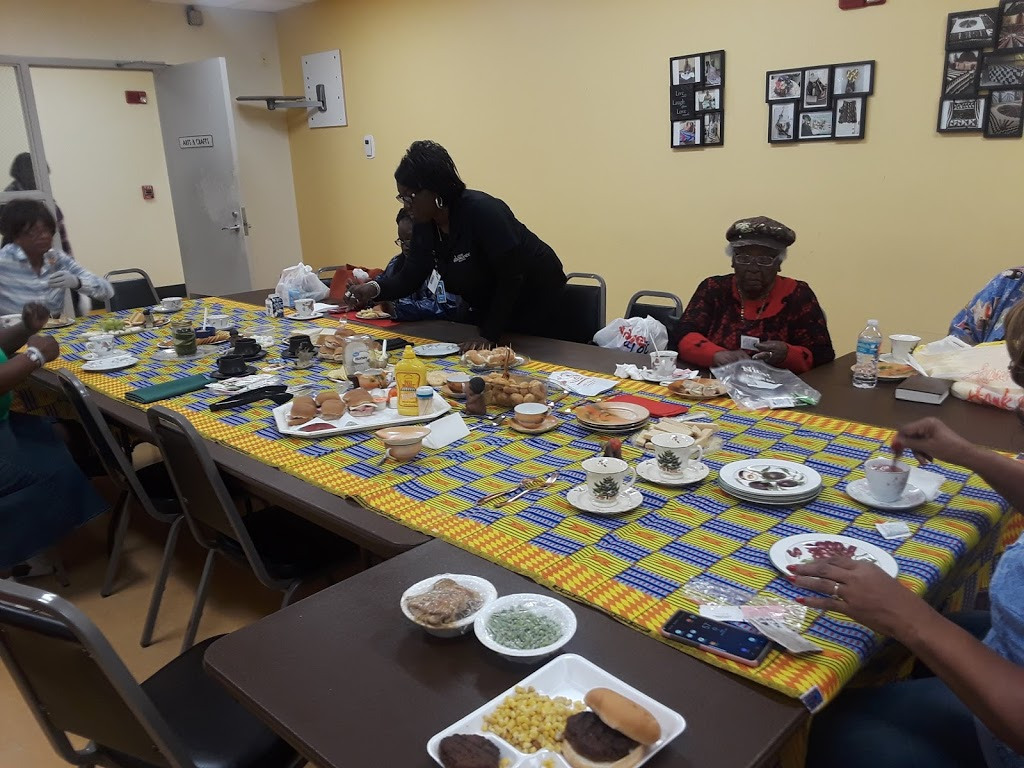 L Claudia Allen Senior Center - point of interest    Photo 8 of 10   Address: 1840 Mable Butler Ave #4261, Orlando, FL 32805, USA   Phone: (407) 246-4461